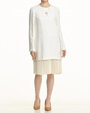 010 ホワイト 裾プリーツ 重ね着風ドレス見る