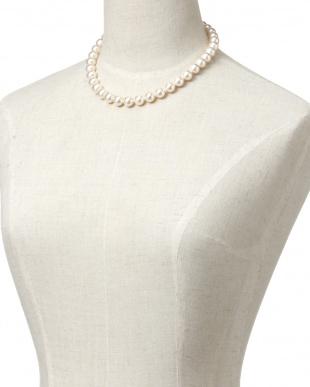 ホワイト/ロジューム パール 10mm玉 ベーシックネックレスを見る