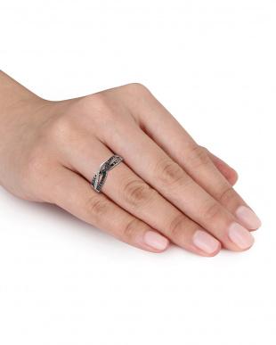 ブラック&ホワイトダイヤモンド(0.33ct) クロスオーバーリングを見る