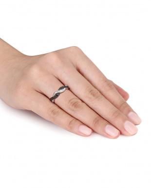 ブラック&ホワイトダイヤモンド(0.1ct) インフィニティ アニヴァーサリーリングを見る