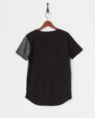ブラック ZIP切り替えTシャツを見る