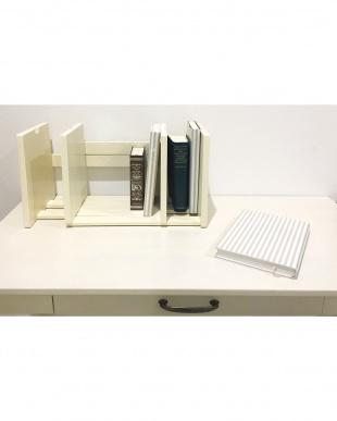 ホワイト BookStandを見る