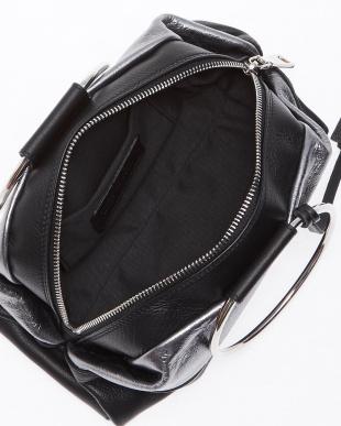 018 シルバー メタリックハンドバッグ見る