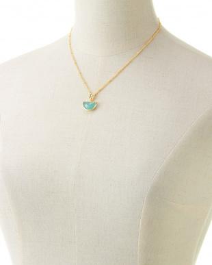 アクアカルセドニー 三日月型ネックレスを見る