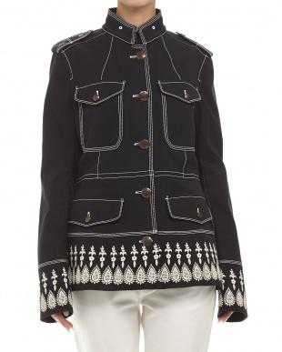 39 ブラック エンブレムボタン スタンドカラー刺繍ジャケット見る