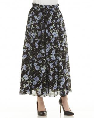 ブラック スタードット×花柄スカートを見る