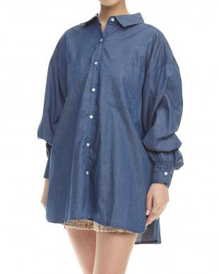 BLU デニムビックシャツを見る
