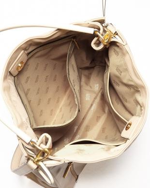 ベージュ エレナシンセティック ショルダー付きバッグを見る