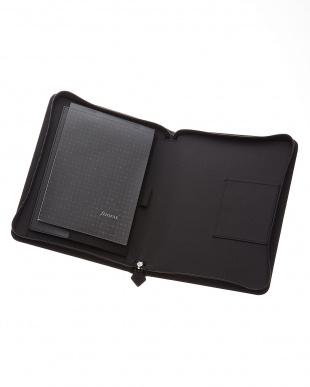 ブラック ブラック ペニーブリッジジップ タブレットケース ラージサイズ見る