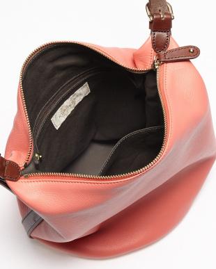 ピンク イタリアレザー 円形底ショルダーバッグを見る