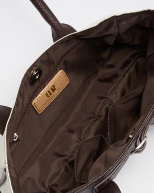 ベージュ ベルトデザインハンドバッグ WOMENを見る
