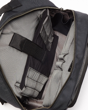 NAVY EFFI-TEC BACKPACKを見る