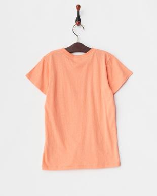 ピンク ワンポイントTシャツを見る