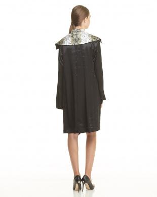 GREY GREY SATIN LAYERED MANDARINE DRESSを見る
