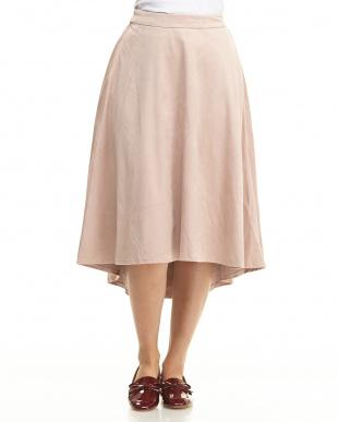 093 スカートを見る