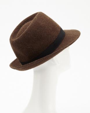 043 帽子見る