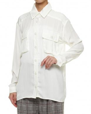 オフホワイト シャツジャケットを見る
