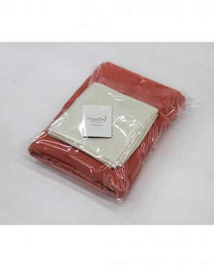 プラムピンク/コーラルホワイト Micro Cotton THE SEASONS  タオルセット バスタオル(プラムピンク)×1、フェイスタオル(コーラルホワイト)×1見る