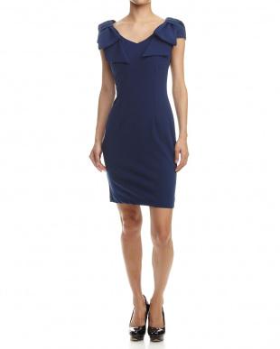 BLUE dress見る