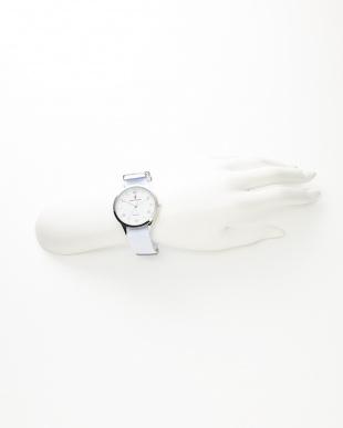 ホワイト 腕時計見る