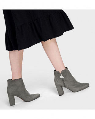 Grey アンクルブーツヒール / ANKLE BOOT HEELSを見る