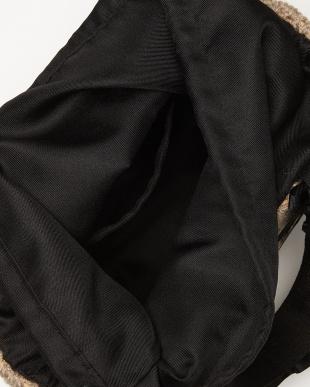Beige ニット素材 シャーリングハンドルトートバッグを見る