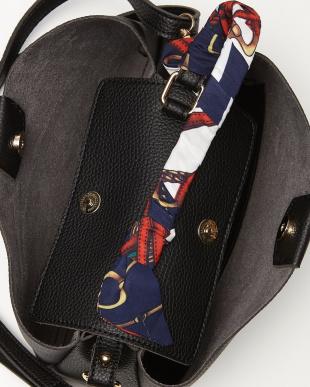 Black スカーフハンドルバッグを見る