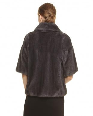 グレー SAGAミンクジャケットを見る
