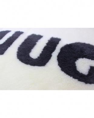 ホワイト HUG ムートンクッションを見る
