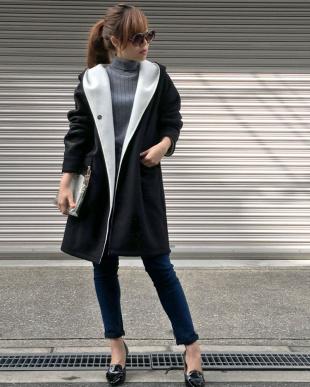黒 起毛配色フーデッドコートを見る