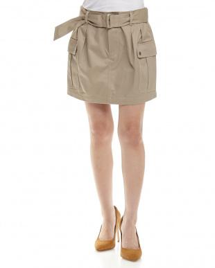 GS02/BEIGE カーゴタイトスカートを見る