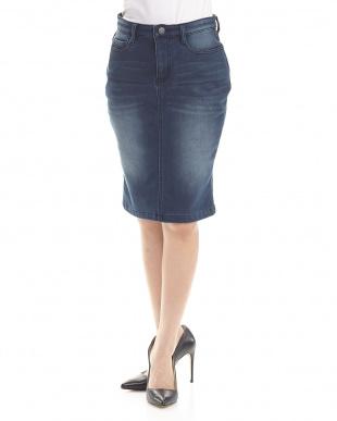 65/青系F(ブルー) ボンディング素材のデニムスカートを見る