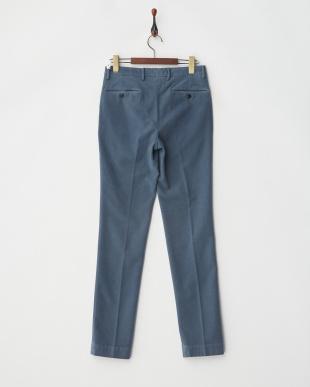 blue パンツ見る