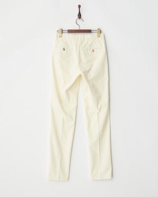 white パンツ見る