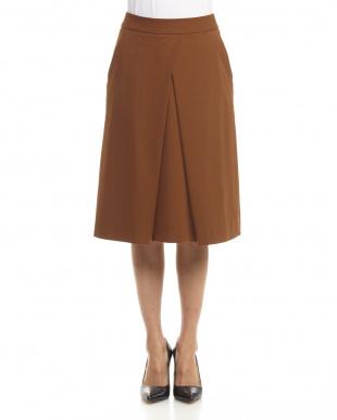 brown スカート見る