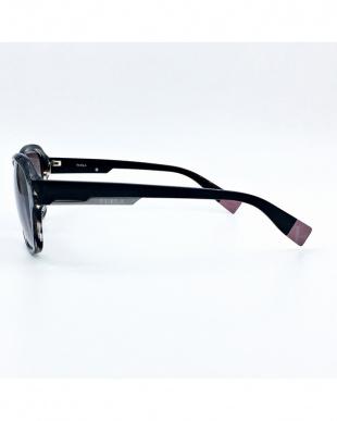 ウェービーブラック 2018 FURLA Sunglassesを見る