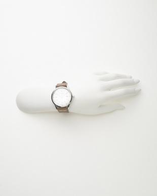 シルバーカラー×ホワイト2 レザーベルト腕時計見る