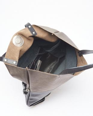 ブラック/ブロンズ バッグを見る
