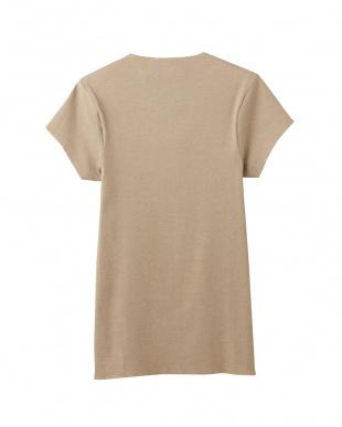 クリアベージユ  VネックTシャツ(短袖)見る