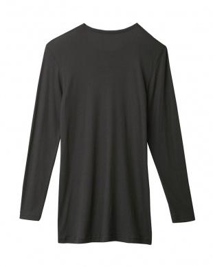 チャコールグレー  Vネック9分袖シャツ|MEN見る