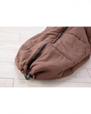 チョコレートブラウン シンサレート 寝袋見る