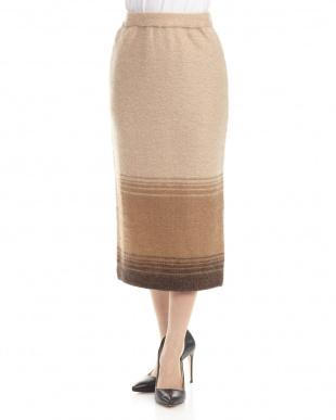 ベージュ スカート見る