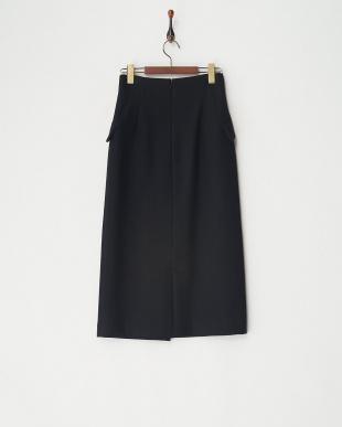 BLACK スカート見る