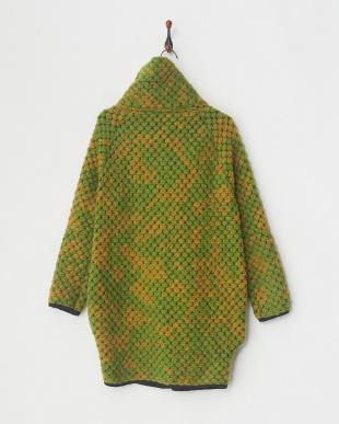 イエローグリーン コートを見る