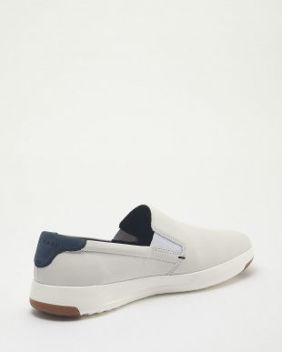 WHITE GRANDPRO SLIP ON見る