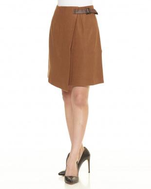 ブラウン  ラップ風合皮ベルトスカート見る