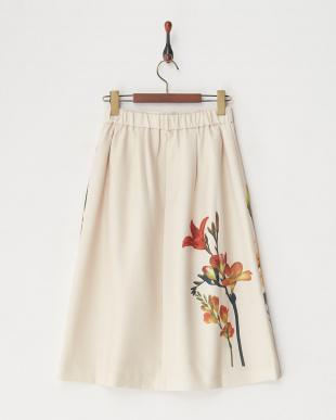 ベージュ系  パネル花柄スカート見る