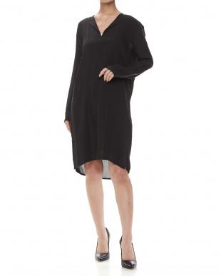 1 ヴィンス:ドレス見る