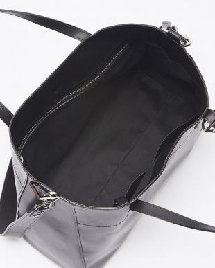 ブラック  ハンドバッグ見る