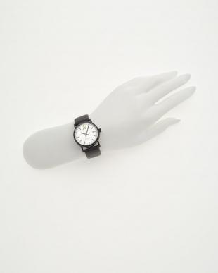 シルバーフェイス 腕時計見る